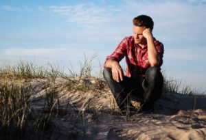 Here Are 5 Signs a Relationship is Failing